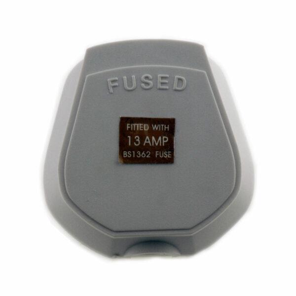 Deta White Resilient 13amp Plug Top